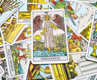 The Temperance Tarot Card.